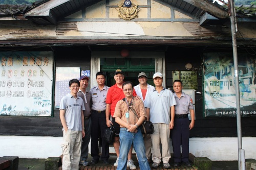 We pose in front of the old Neiwan Police Station, which served the area about 100 years ago during Japanese occupation. A new police station will be built, and this one will be converted to a museum.